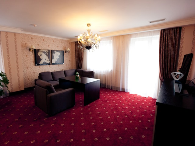 http://www.hotel-delice.com.ua/images/rooms/appartments/1623.jpg