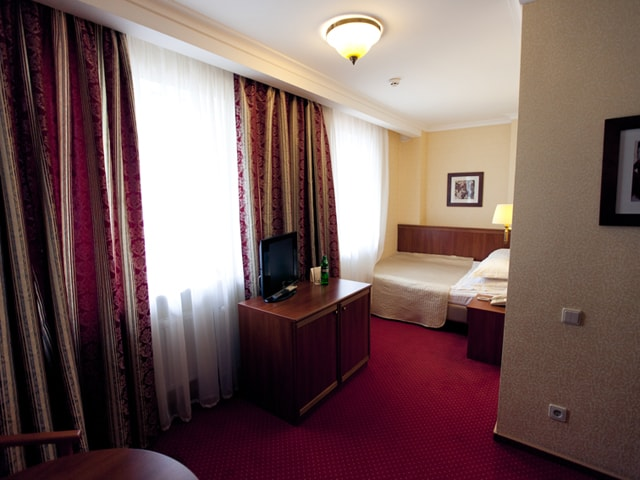 http://www.hotel-delice.com.ua/images/rooms/economy-double/1483.jpg