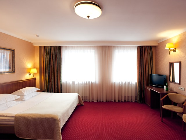 http://www.hotel-delice.com.ua/images/rooms/junior-suite/1456.jpg
