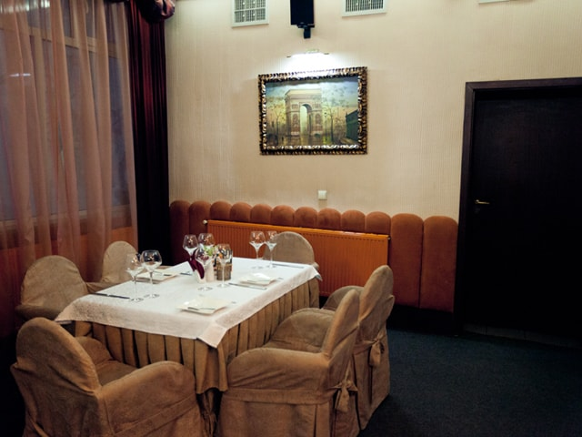 http://www.hotel-delice.com.ua/images/rooms/restaurant/1707.jpg