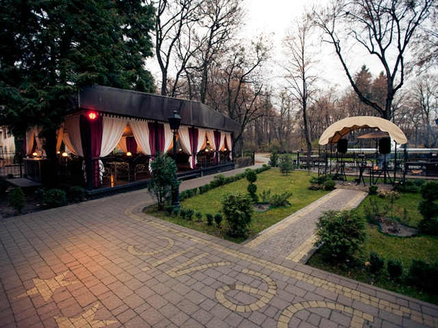 http://www.hotel-delice.com.ua/images/rooms/restaurant/1747.jpg
