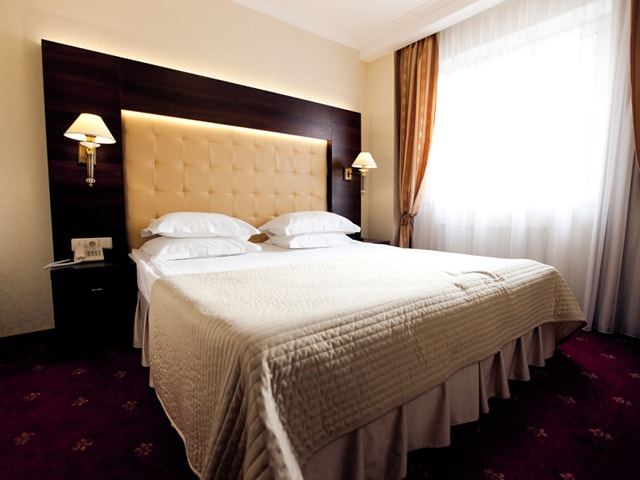 http://www.hotel-delice.com.ua/images/rooms/suite/1517.jpg