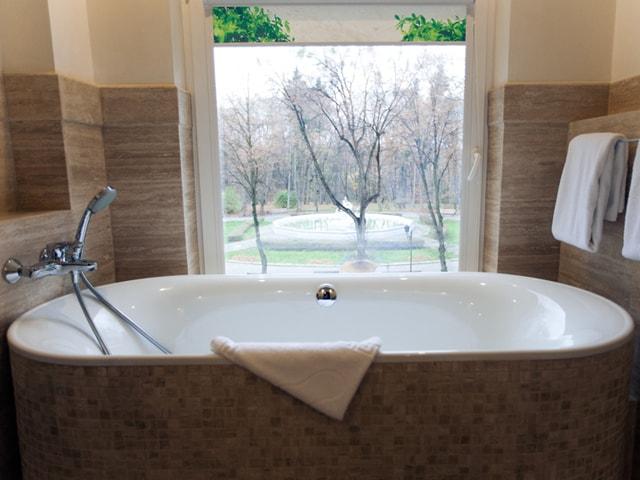 http://www.hotel-delice.com.ua/images/rooms/superior-suite/1611.jpg